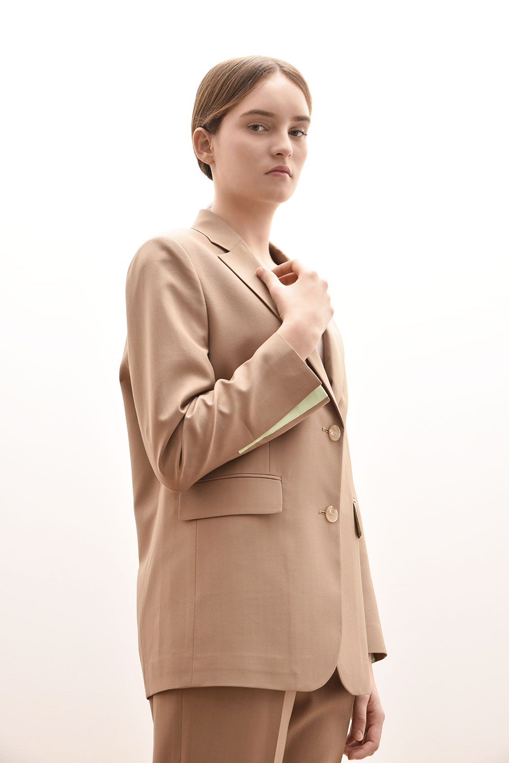 [김혜수 착용]ADS-JKB101-50 CASIOPEA SINGLE JACKET (Beige)